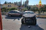 Crotone, scontro tra due auto sulla statale 106: un ferito grave