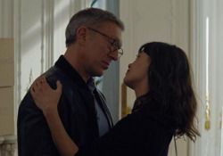 «La felicità degli altri», il trailer ufficiale del film diretto da Daniel Cohen - Corriere Tv