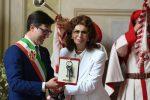 Sophia Loren a Firenze: chiavi della città, bagno folla e un ristorante per lei
