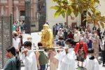 Messina, le reliquie di Sant'Antonio in processione nel cielo dello Stretto
