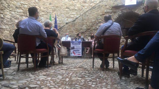 Ernesto Magorno, Calabria, Politica