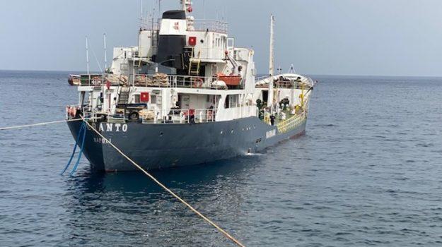 crisi idrica, eolie, nave cisterna, Messina, Cronaca