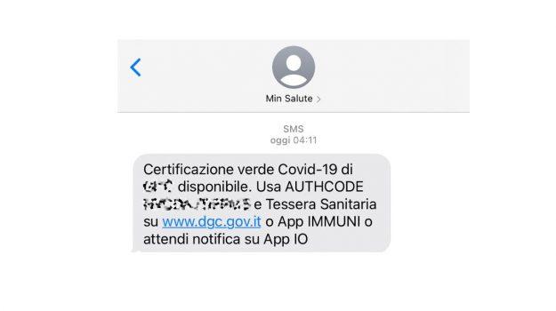 Covid, arrivate le notifiche per i primi green pass in Italia. Ecco come funziona