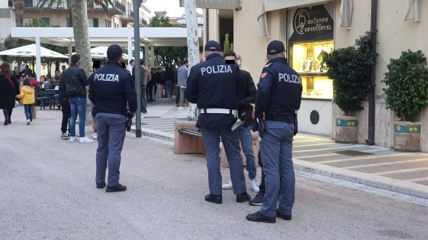 capo d'orlando, giovani identificati, locale a soqquadro, violenza urbana, Messina, Cronaca