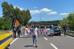 Protesta dei tirocinanti calabresi, bloccata la SS280 dei Due Mari