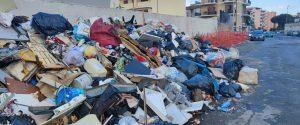 Emergenza rifiuti, individuata discarica di Crotone: la decisione di Spirlì