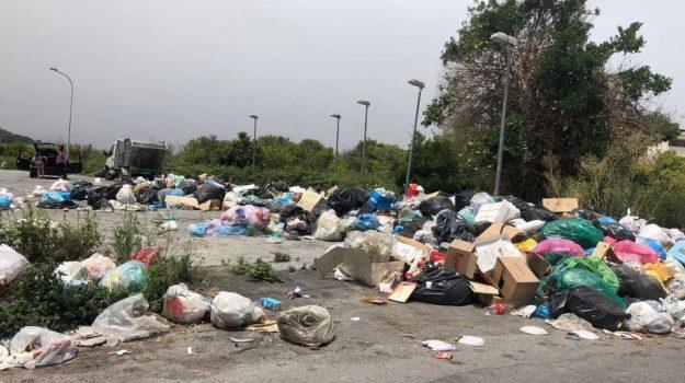 barcellona, emergenza rifiuti, Messina, Cronaca