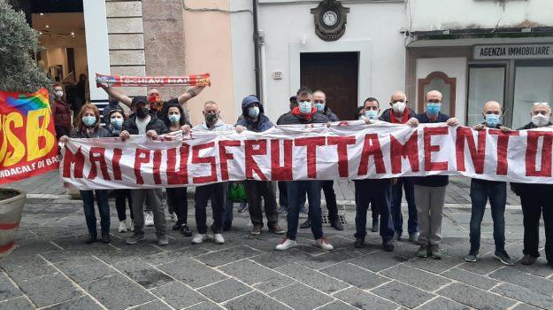 tirocinanti calabria, Calabria, Economia
