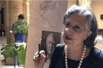 """A colloquio con la scrittrice palermitana Giuseppina Torregrossa: """"Vi cuntu il mondo al contrario"""""""