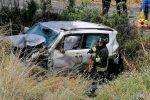 Perde il controllo dell'auto e finisce fuori strada sulla Messina-Palermo, zona Villafranca