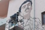 Prende forma il murale dedicato a Mascherpa: Diamante omaggia il suo commissario