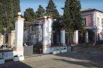 Sigilli all'obitorio del cimitero di Corigliano: non funzionano le celle frigorifere
