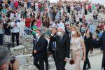 Un lunghissimo applauso per il presidente Mattarella alle tragedie di Siracusa