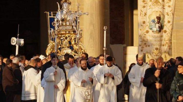 festa votiva san francesco di paola, paola, Cosenza, Società
