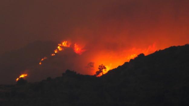 cipro, incendio, morti, Sicilia, Mondo
