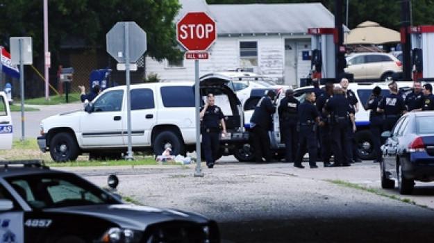morto agente, sparatoria, texas, Sicilia, Mondo
