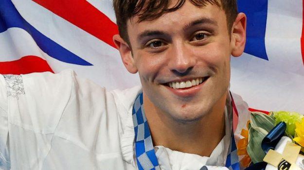 """""""Orgoglioso di essere gay e campione olimpico"""": il messaggio di Daley dopo l'oro nei tuffi"""