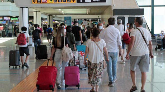 aeroporto, grecia, green pass, italia, plf, Sicilia, Cronaca