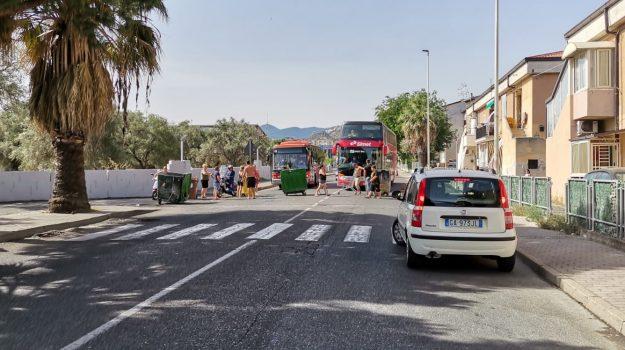 acqua corigliano rossano, protesta cittadini, Cosenza, Cronaca
