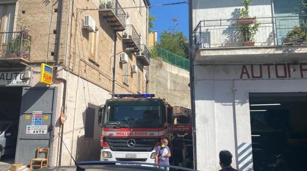68enne morto, corigliano, vigili fuoco, Cosenza, Cronaca