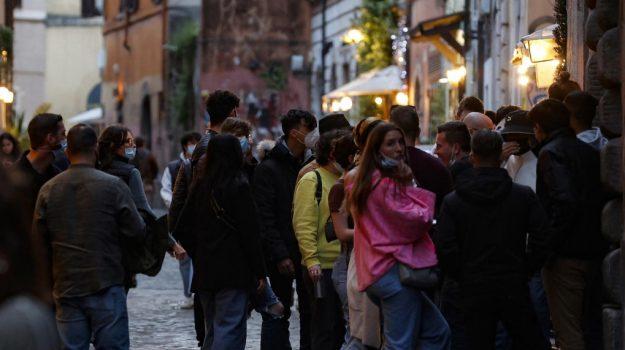 """Il Covid spazza via i sogni di oltre 66% famiglie: la """"fotografia"""" del Censis"""