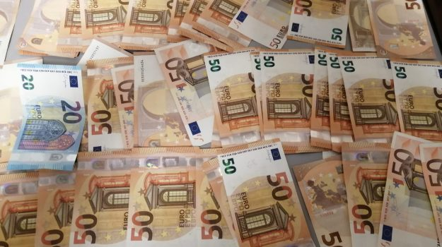 controlli valutari, porto palermo, Sicilia, Cronaca
