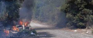 Rifiuti in fiamme, fumi tossici a Scalea: residenti temono un'emergenza sanitaria