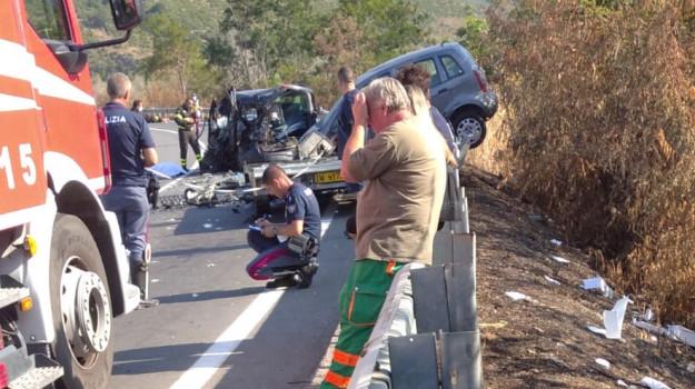 incidente stradale, praia a mare, Cosenza, Cronaca