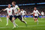 Damsgaard calcia la punizione dello 0-1