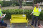 Panchine gialle in difesa dei diritti umani: l'istallazione a Cirò Marina