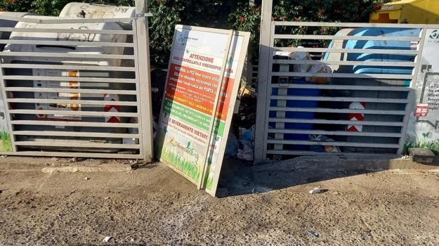 isola ecologica, rende, rifiuti, Cosenza, Cronaca