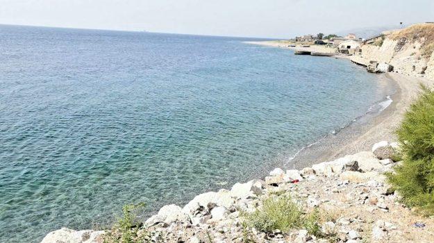 """Il paradiso della vergogna, ecco tutte le """"bandiere nere"""" di Messina - FOTO"""