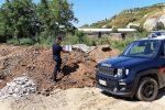Scaricavano materiale edile su terreni demaniali: due denunce a S. Pietro in Guarano