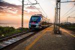 Parte il servizio treno + bus per raggiungere le spiagge calabresi