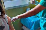 Messina, vaccini avanti tutta. In ospedale dai parenti solo col green pass
