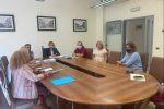 Il sindaco Maria Limardo, il segretario Domenico Libero Scuglia e l'assessore Giovanni Russo nei mesi scorsi a confronto con i dirigenti