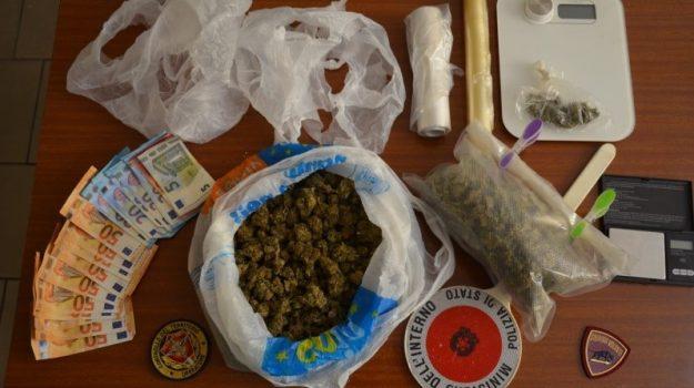 arresti domiciliari, crotone, droga, Catanzaro, Cronaca