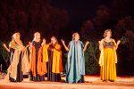 """Teatro, radici, battaglie: la """"Festa delle donne"""" a Portigliola è un esperimento riuscito"""