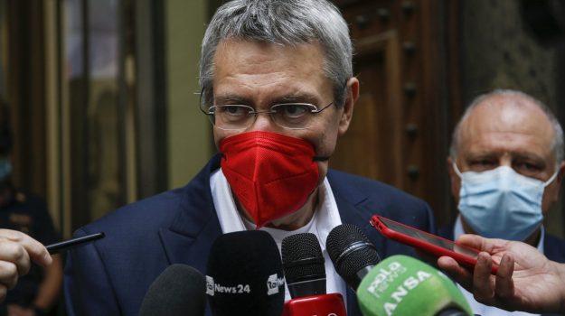coronavirus, green pass, tamponi, vaccino, Maurizio Landini, Sicilia, Politica