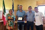 Bocchigliero omaggia il campione d'Europa Mimmo Berardi e la sua famiglia - VIDEO