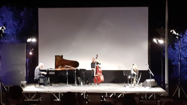 Nicola Piovani, Catanzaro, Musica