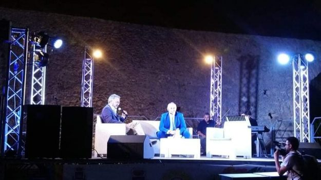 le castella, Premio Aragona, Catanzaro, Cultura