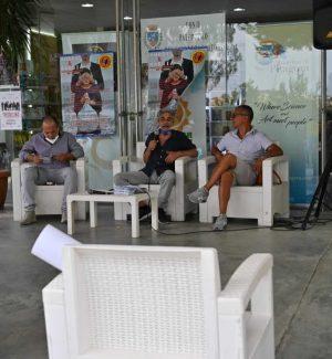 Il sindaco di Verzino, Pino Cozza, il direttore artistico, Donato Clausi e presidente de La Ginestra, Pino Urso