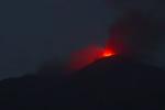 Etna, nuovo parossismo: eruzione all'altezza del cratere di sud-est