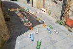 """Monterosso, inaugurata la """"Via dei bambini"""". Giochi e decorazioni per i più piccoli"""