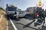 Ancora un incidente sulla statale 106, scontro auto-tir a Camini: un morto