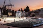 """Tutto lo spazio del teatro, terrestre e aereo, è """"occupato"""". La magnifica scena delle """"Baccanti"""" a Siracusa (Foto: Pantano)"""