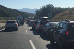 Odissea sullo Stretto: da oltre 6 ore traffico in paralisi verso traghetti di Villa San Giovanni - FOTO