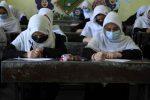 Afghanistan, i talebani vietano lezioni miste (ragazzi e ragazze insieme) nelle università