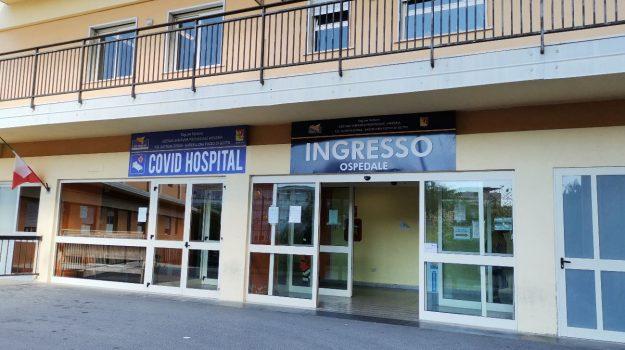 barcellona p.g., covid, cutroni zodda, ospedale, alessio villarosa, Messina, Cronaca